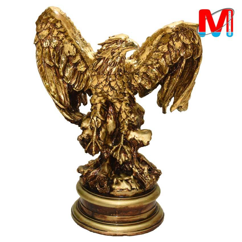 مجسمه عقاب کار شده با ورق طلا